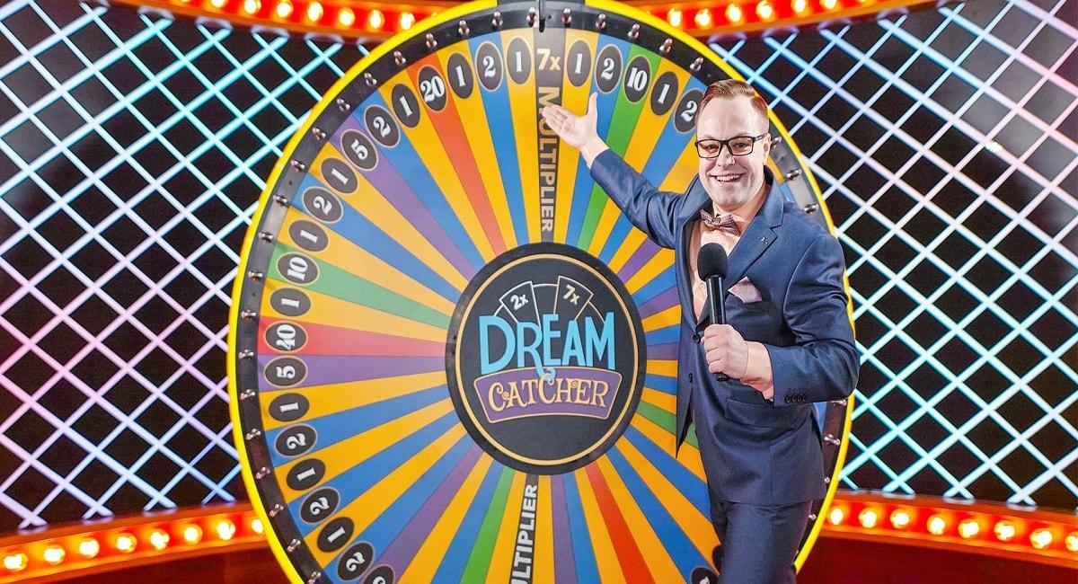 Pelaa Grande Money Wheel -peliä Kolikkopelit.com livecasinolla!