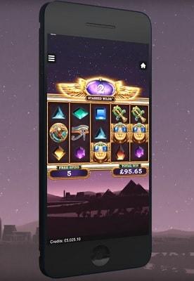 Pelaa Wild Scarabs -kolikkopeliä myös mobiilissa!