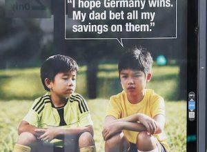 Singaporen jalkapallo mainos uhkapelaamisesta